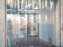 工場関連の透明間仕切りカーテン02